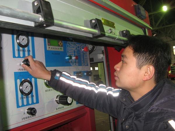 高压压缩机成功用于消防车充气系统-丽升实业