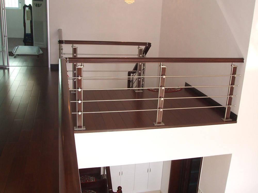 客厅阳台扶手栏杆