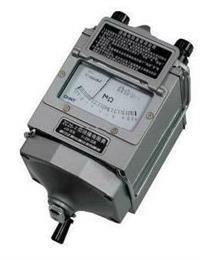ZC11D-2型绝缘电阻表,指针兆欧表