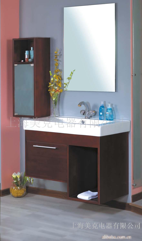 上海美克电器有限公司生产的美克之都系列浴室柜产品的柜体采用进口橡木材料与**陶瓷组合而成,产品美观大方,是家庭装饰用的卫浴精品 柜的尺寸是860*465*620侧柜的尺寸是300*240*820镜的尺寸是600*850