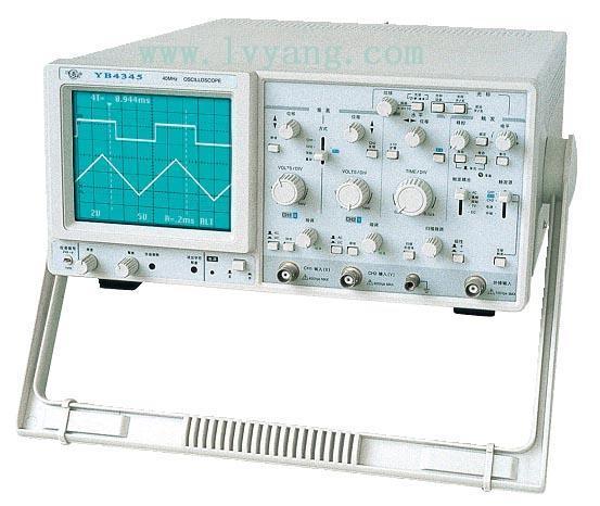 YB4325/YB4345数字读出示波器特点: 灵敏度高,最高偏转系数1mUdiv: Y衰减及扫描开关取消了传统的机械开关, 采用数字脉冲开关: 屏幕上可提供七种光标数字读出功能: 释抑调节,使各种复杂波形同步更加稳定: 同时具有通用示波器的相关功能。 YB4325/YB4345数字读出示波器规格: